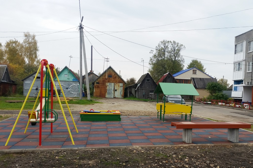 По проекту «Решаем вместе» в Туношне благоустроены дворы и парк