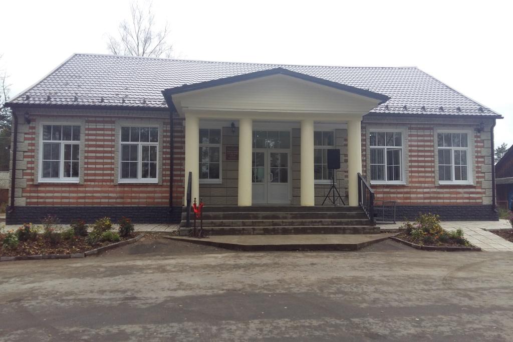 Дом культуры в поселке Юхоть отремонтирован в рамках проекта «Решаем вместе»