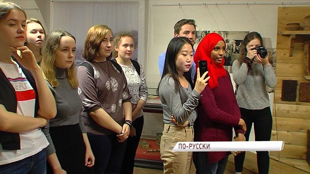 Участники Всемирного фестиваля молодежи и студентов знакомятся с культурой и традициями Ярославской земли