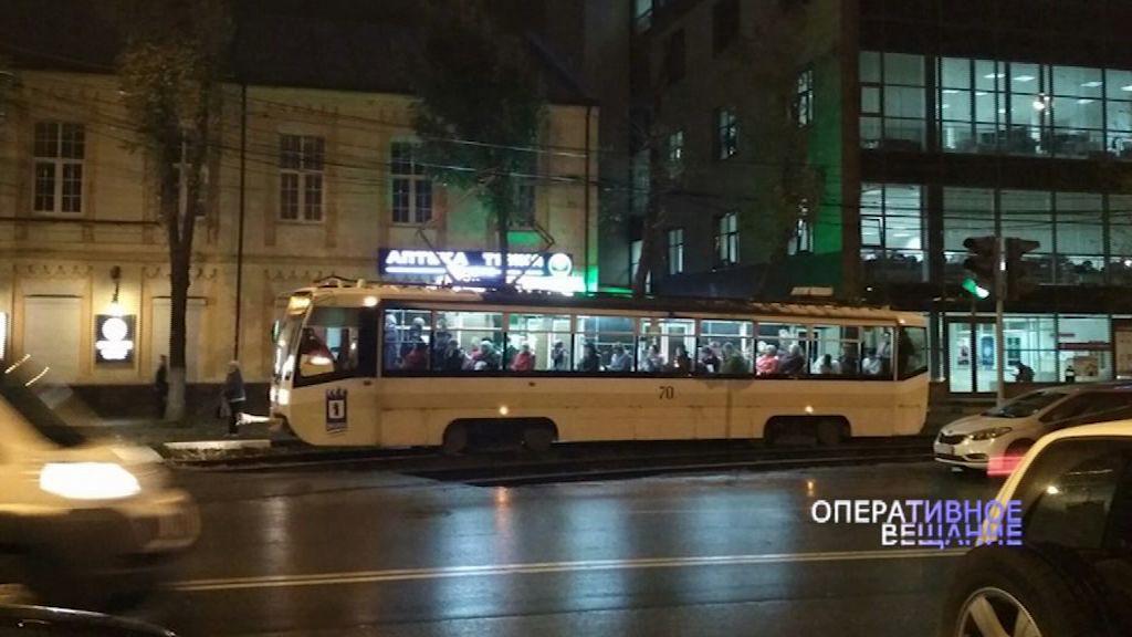 В Кучерском переулке девушка попала под трамвай