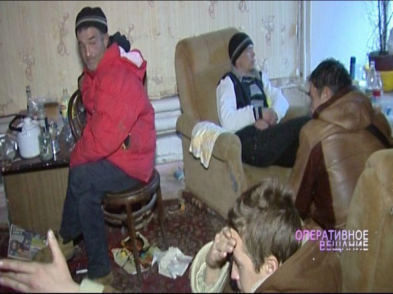 Бездомные оккупировали целый жилой дом в Ярославле