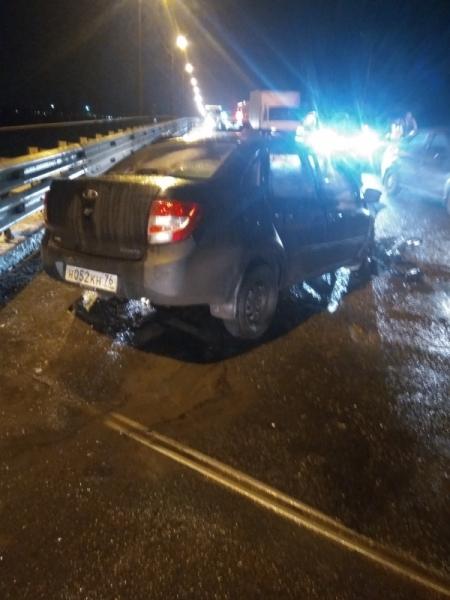 Крупная авария под Ярославлем: погиб 56-летний водитель легковушки
