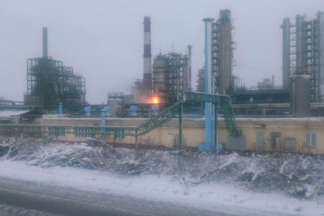 Названа основная версия пожара на ярославском НПЗ