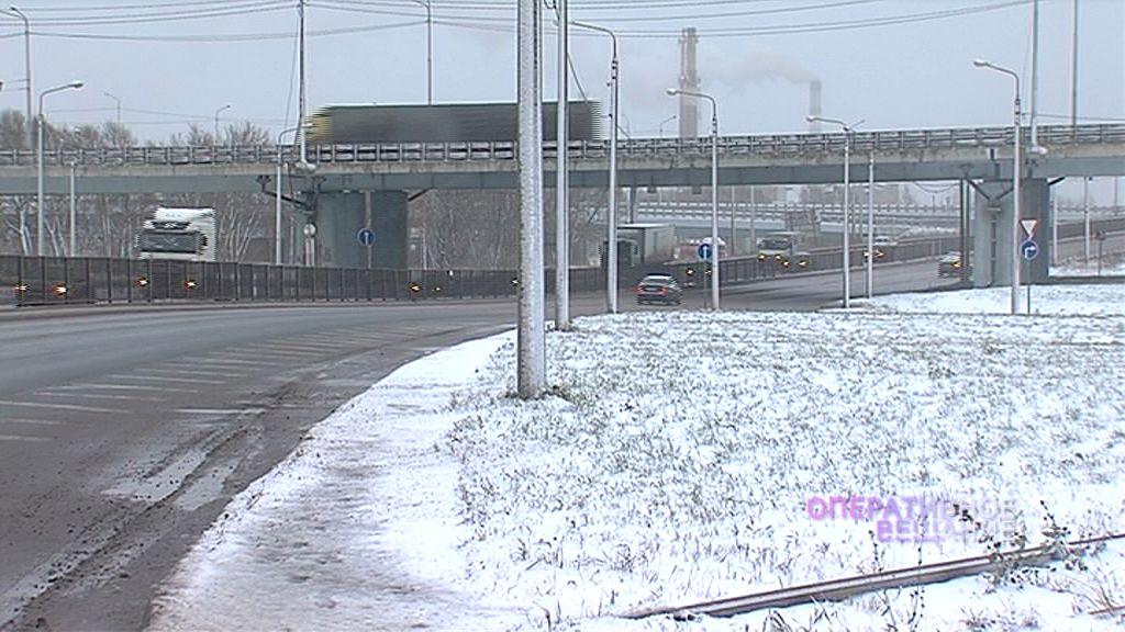 Массовое ДТП на Промышленном шоссе: более десятка машин с пробитыми колесами