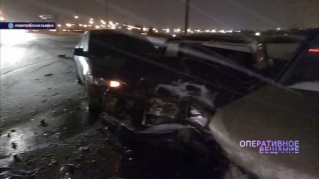 На Промышленном шоссе столкнулись три авто