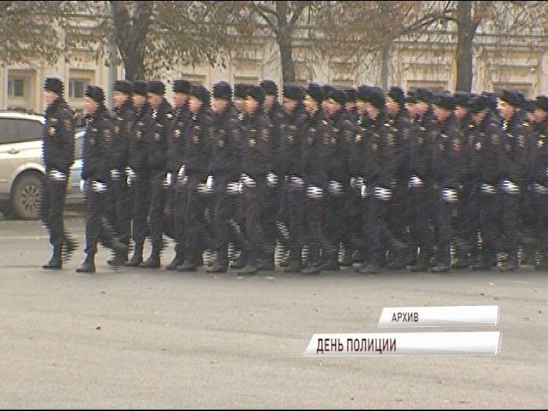 Дмитрий Миронов поздравил полицейских с профессиональным праздником