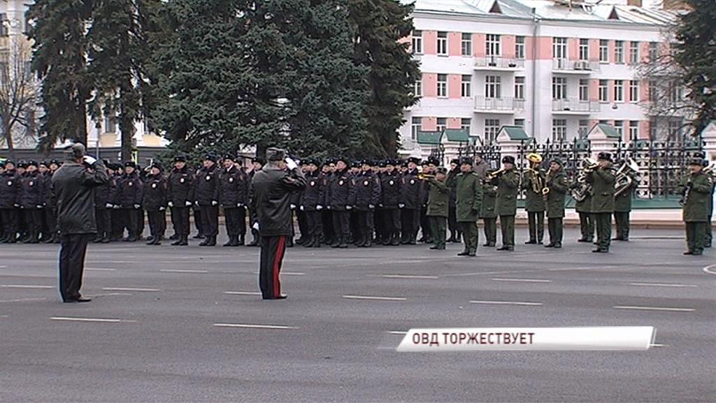 День полиции в Ярославле: поздравления Дмитрия Миронова, парад на Советской площади и праздничный концерт