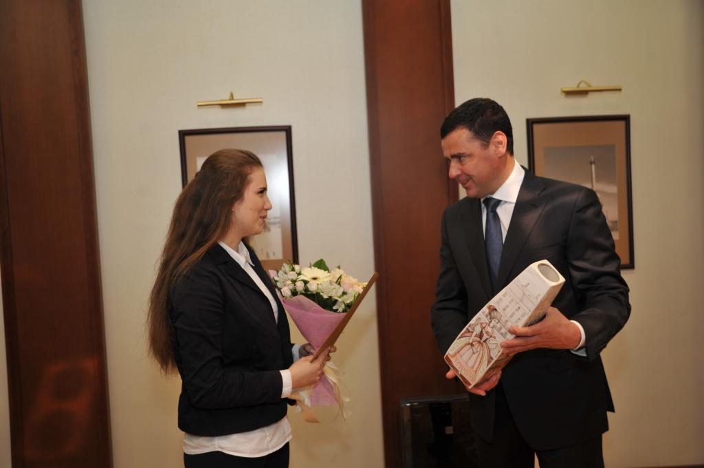 Дмитрий Миронов поздравил Анастасию Ласаченко с успешным выступлением на мировом чемпионате WorldSkills