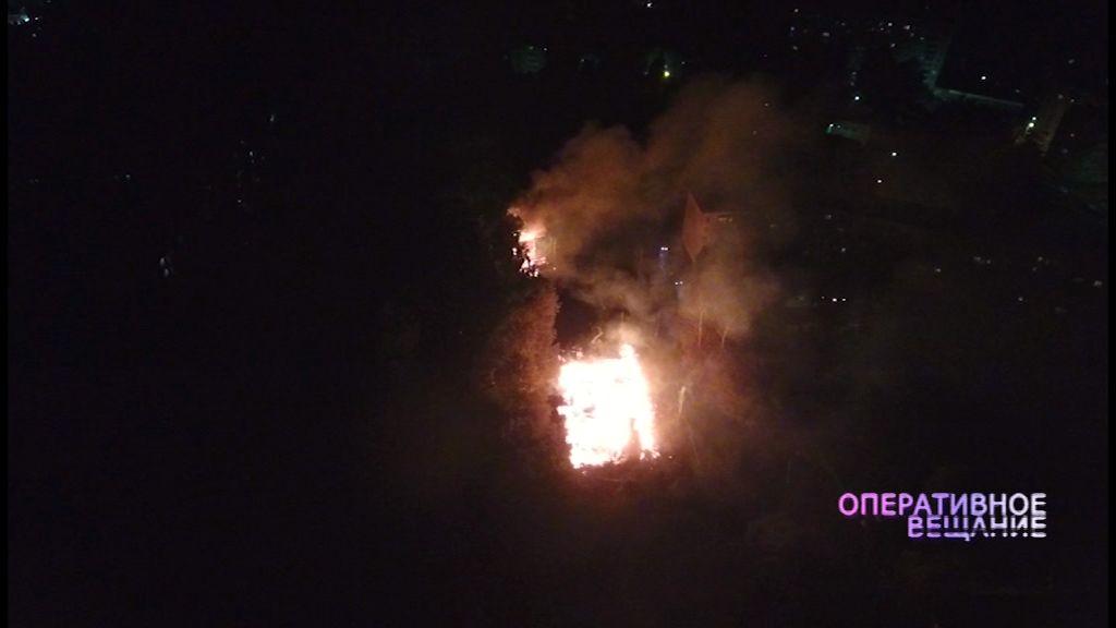 В Ярославле продолжают гореть дома, предназначенные к расселению