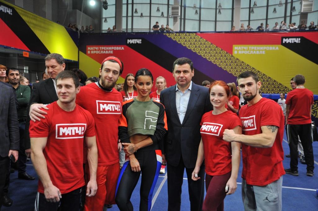 Дмитрий Миронов принял участие в «Матч! Тренировке» с Тиной Канделаки