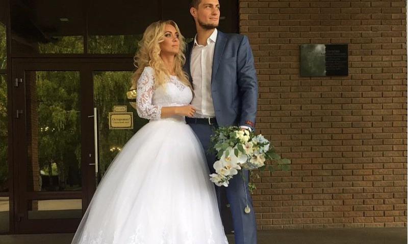 Ярославский шоумен Александр Задойнов «женился» в прямом эфире