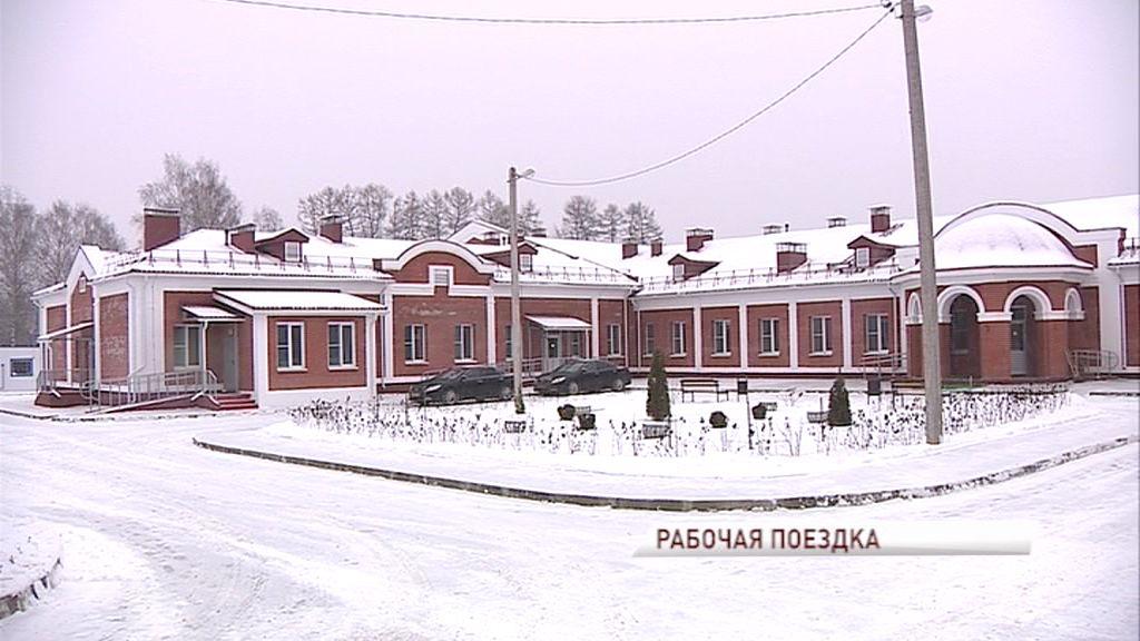 Дмитрий Миронов посетил новый корпус психоневрологического дома-интерната в селе Кривец