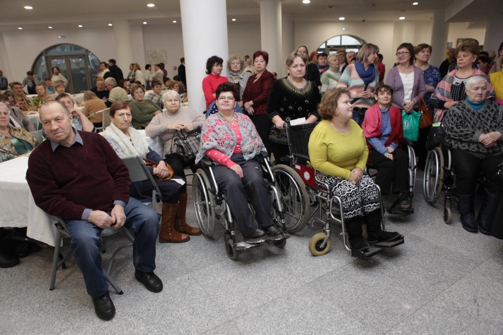 Губернаторские премии вручили победителям конкурса творчества людей с ограниченными возможностями