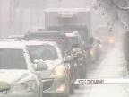 Автомобили ярославцев мешают коммунальщикам убирать городские дороги