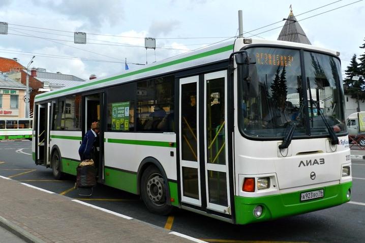 В день «НаШествия Дедов Морозов» общественный транспорт изменит движение