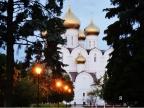 Возведение большого катка на Советской площади продолжается