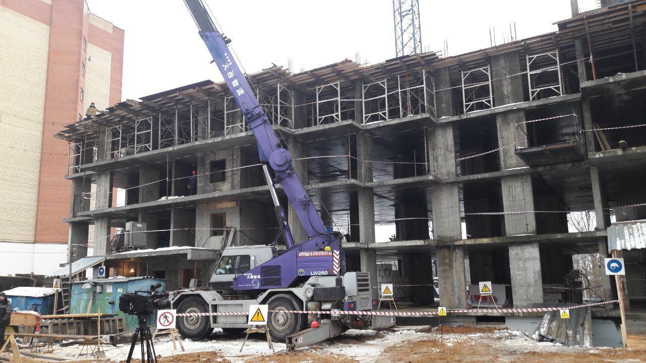 Строительство проблемного дома на улице Новоселковской будет окончено в декабре 2018 года