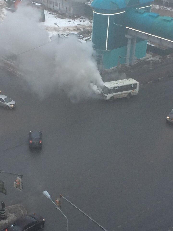 На Московском проспекте едва полностью не сгорела маршрутка