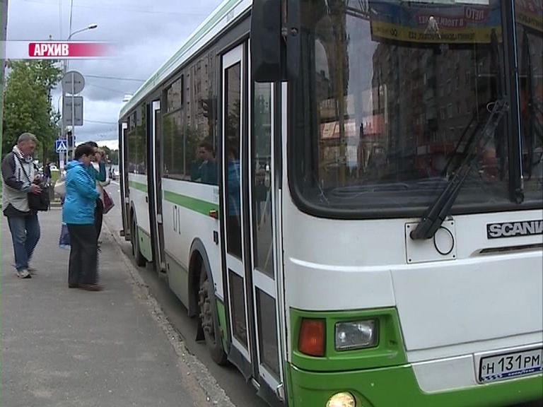30-летний мужчина получил травмы из-за резкого торможения автобуса