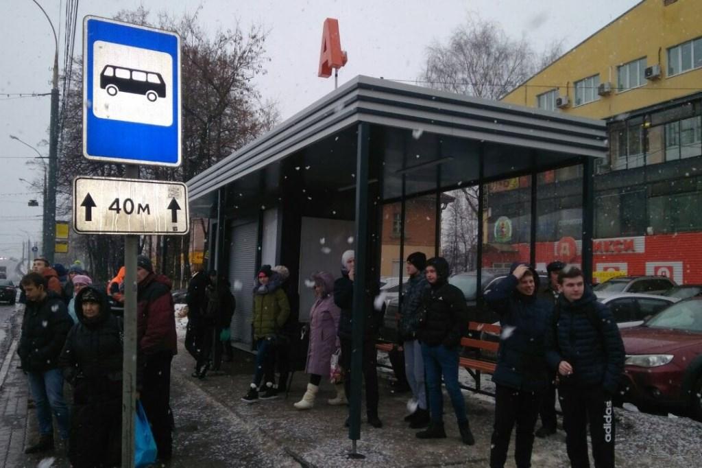 «Решаем вместе»: по просьбам ярославцам установили остановку и контейнерную площадку