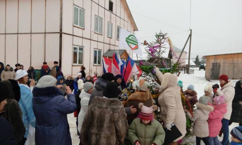 В Кукобое в благоустроенном дворе в рамках проекта «Решаем вместе» прошел праздник