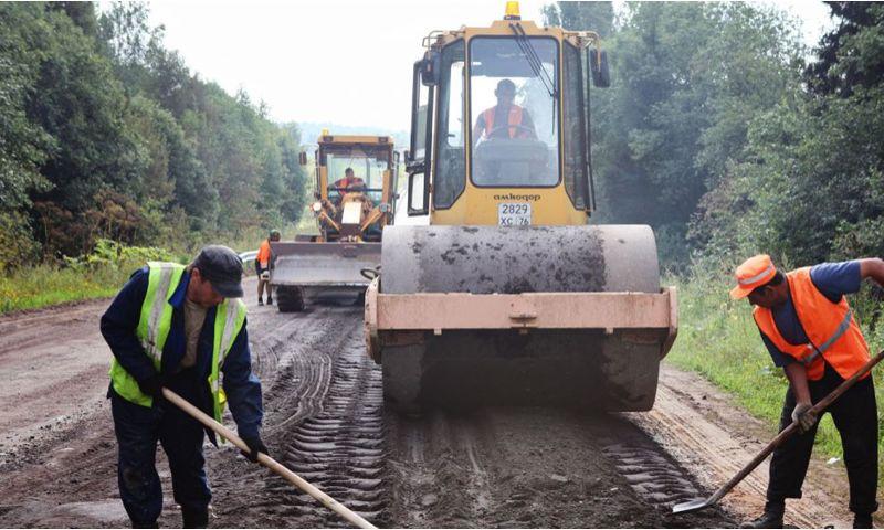 Ярославцы предложили ввести новую технологию при строительстве сельских дорог