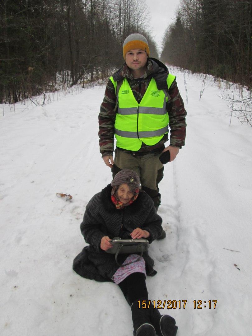 Лесной инспектор в Гаврилов-Ямском районе спас пенсионерку от гибели