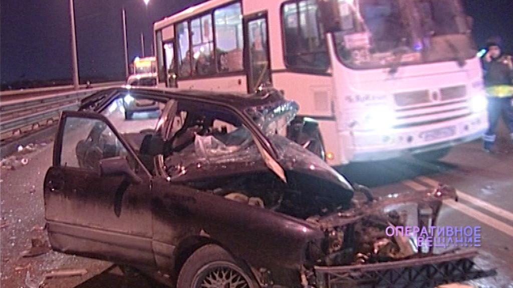Новые подробности смертельного ДТП на Октябрьском мосту: погибший водитель был дважды лишен прав за пьянку