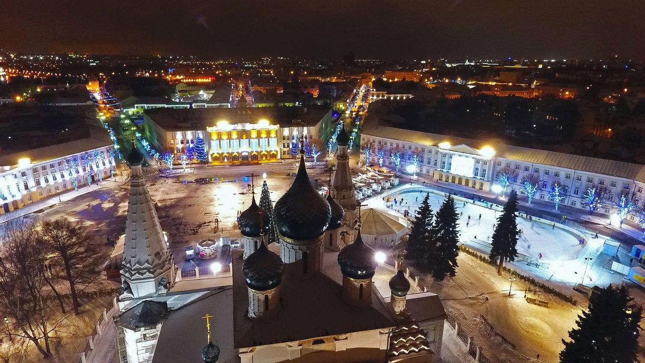 В Сети появилось завораживающее видео новогоднего Ярославля