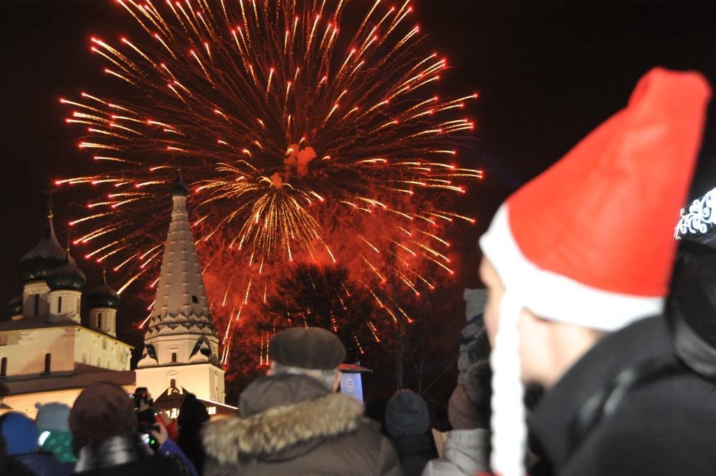 Новый 2018 год в Ярославле: 15 тысяч на Советской площади, уникальное 3-D шоу, поздравление президента, концерт и яркий фейерверк