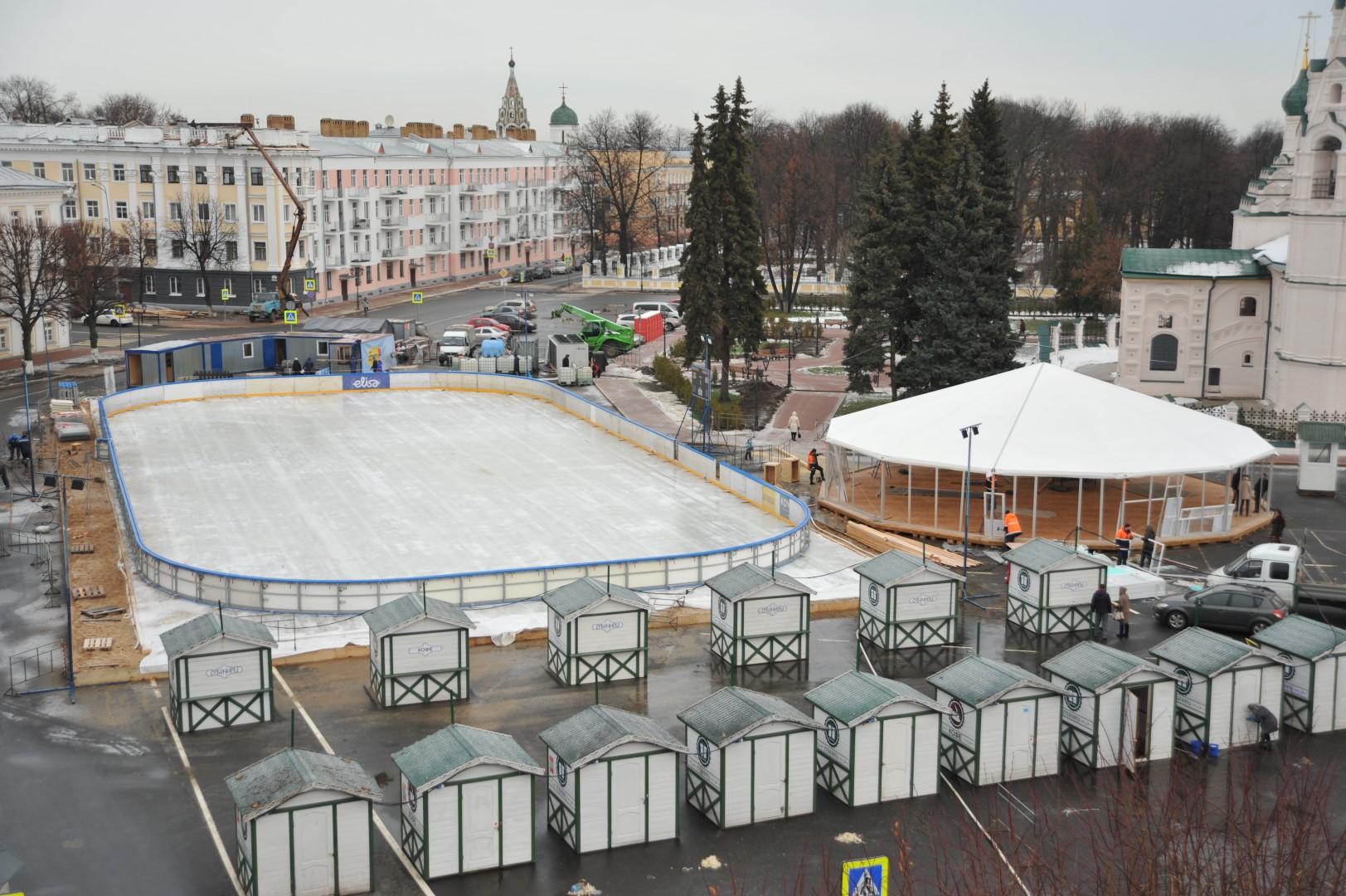 Работу катка на Советской площади продлят