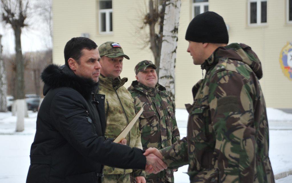 Дмитрий Миронов вручил награды бойцам регионального управления Росгвардии, вернувшимся с Северного Кавказа