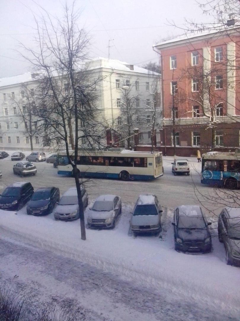 Из-за аварии на Советской встали троллейбусы двух маршрутов