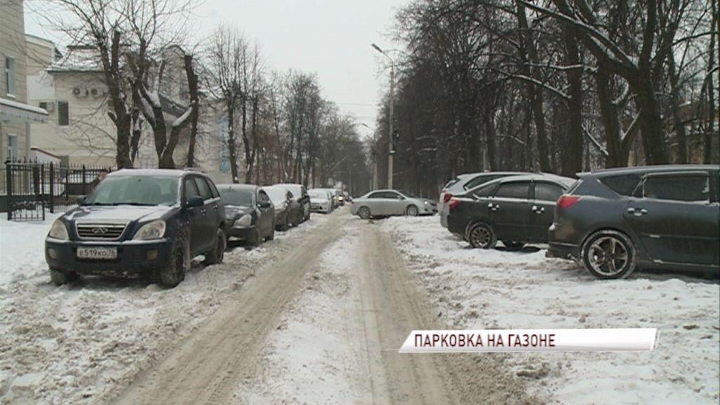 Ситуация с парковками на газонах может быть решена на законодательном уровне