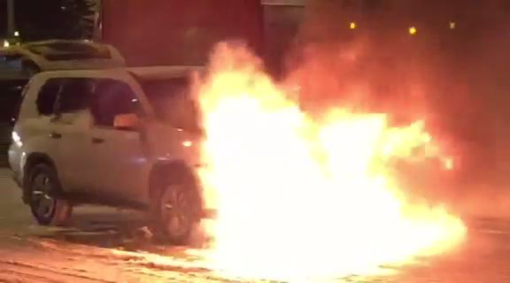 ВИДЕО: На Московском проспекте прямо на ходу загорелся «Ниссан»