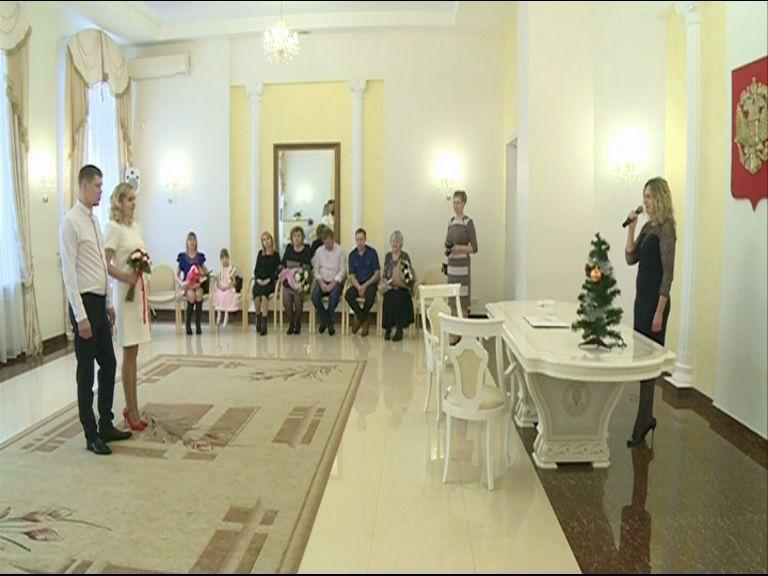 В Министерстве здравоохранения рассматривают инициативу тестировать на совместимость тех, кто планирует связать себя узами брака: мнения ярославцев