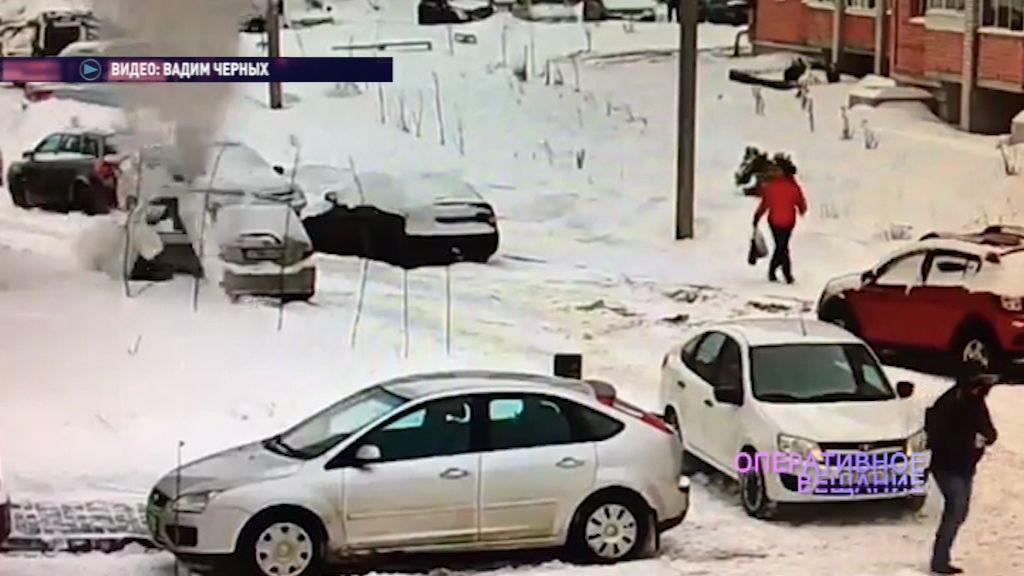 ВИДЕО: В Брагине на автомобиль сошла лавина