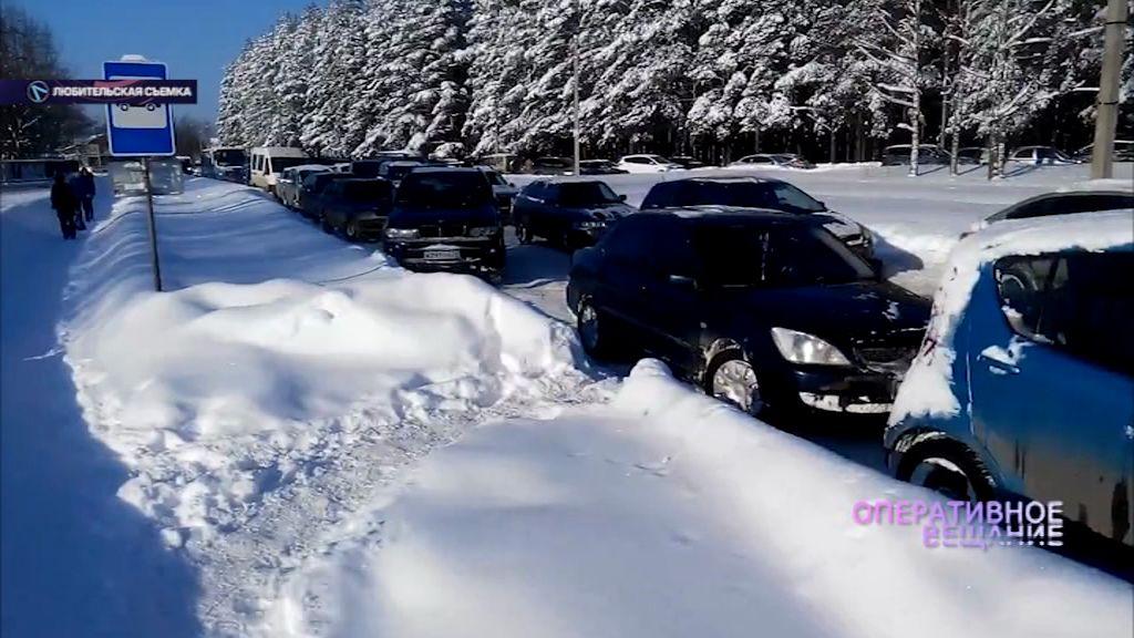 Парковка на остановке обернулась транспортным бедствием