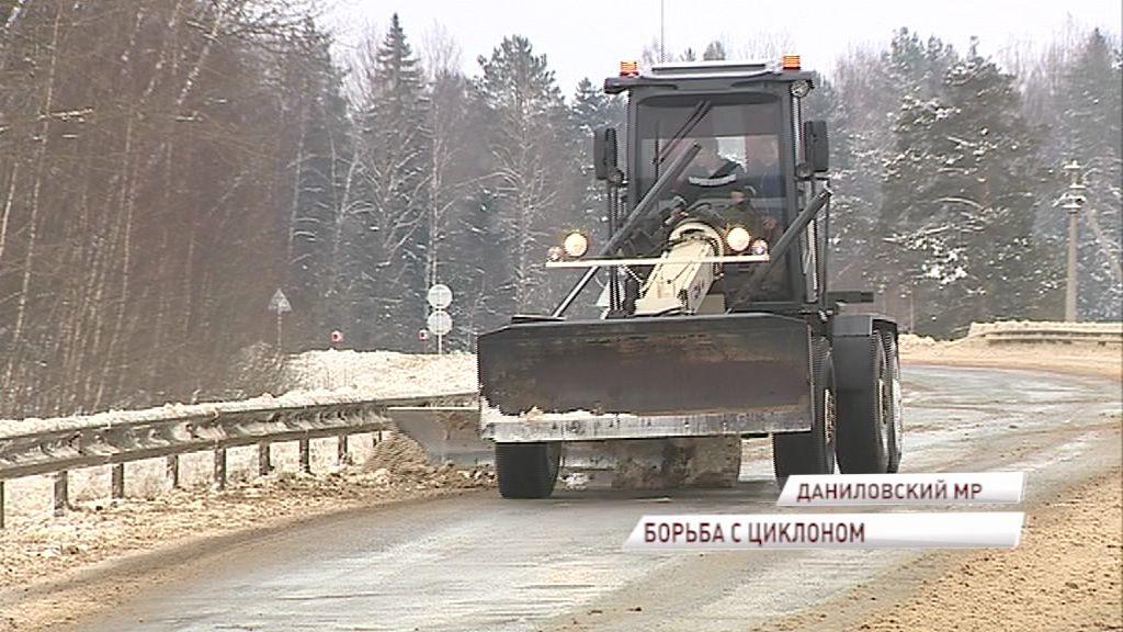 Областные дорожники расчистят дороги в максимально короткие сроки