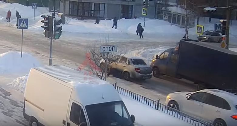 РОЗЫСК: полиция ищет водителя «Лады», переехавшего женщину на переходе