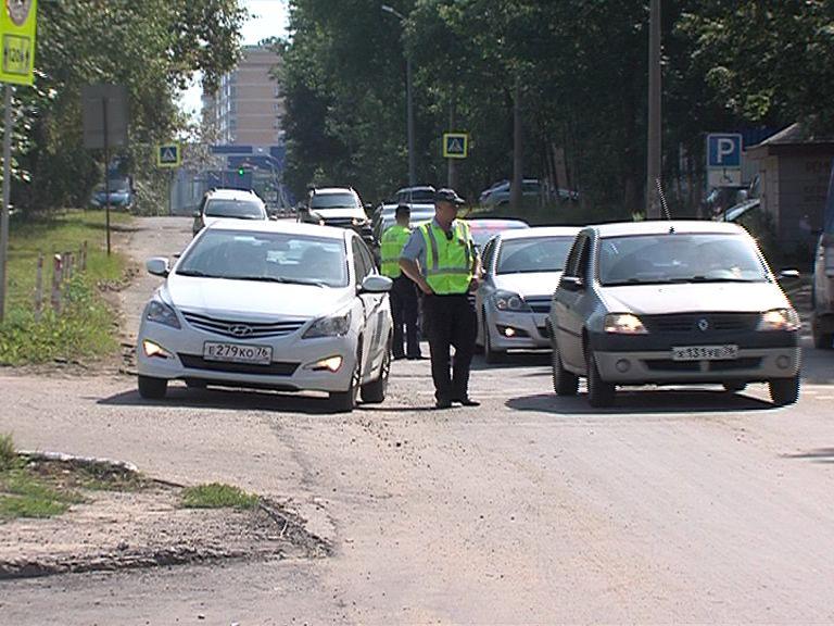 Водителей обяжут надевать светоотражающие жилеты во время вынужденной остановки