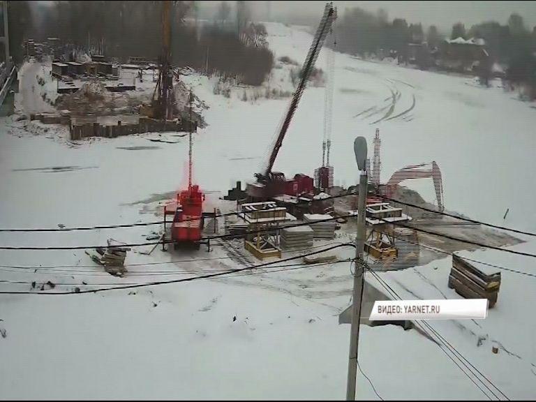 ВИДЕО: Как в Ярославле заново строят мост через Которосль