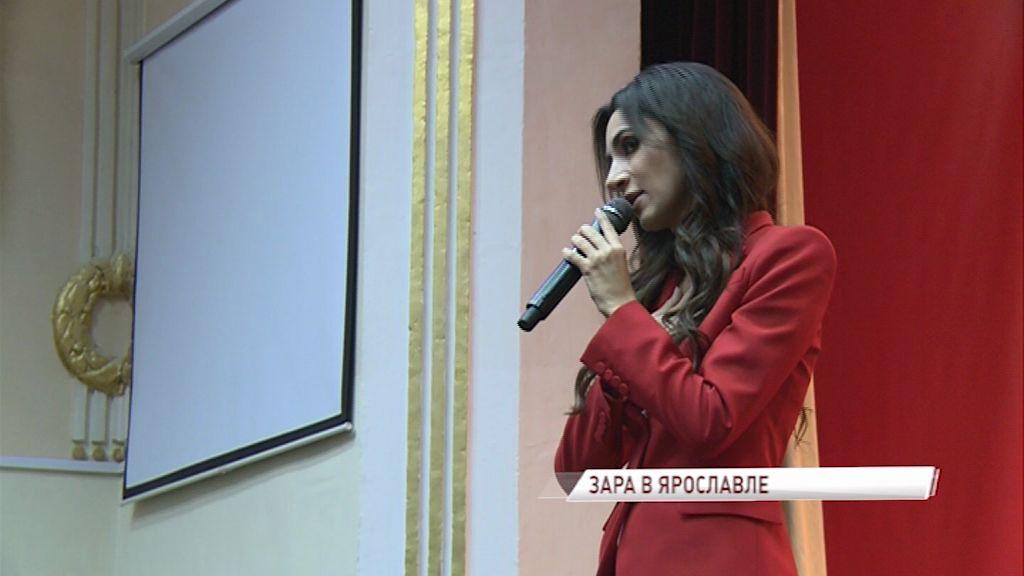 Певица Зара пообщалась с курсантами и преподавателями высшего училища противовоздушной обороны