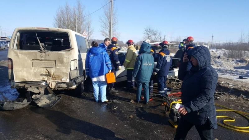 Массовое ДТП на Окружной дороге: пострадавших на скорой увозили в больницу