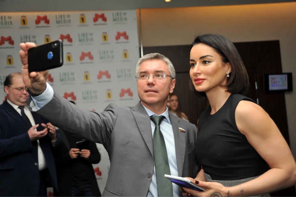 «Людей надо информационно образовывать»: форум «ЛайкМедиа» в Ярославле собрал представителей СМИ из разных регионов