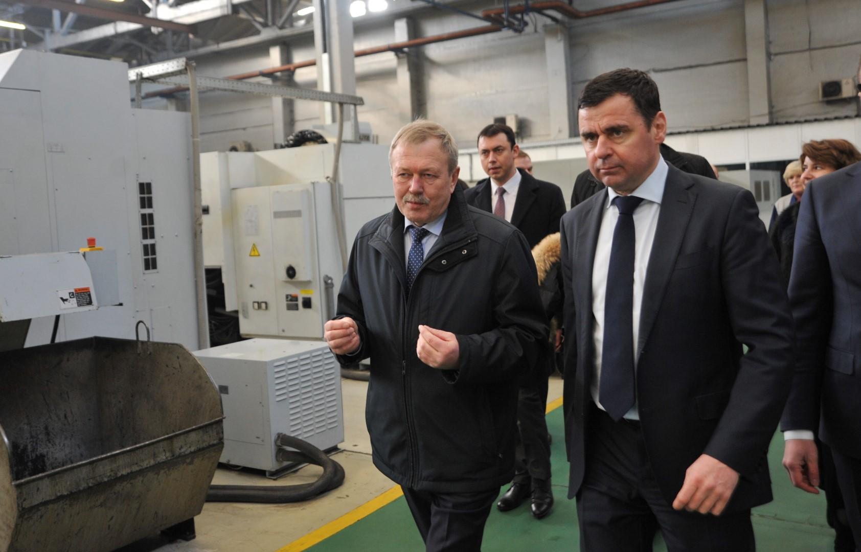 Губернаторский совет в Тутаеве: Дмитрий Миронов посетил моторный завод и рассказал о поддержке развития предприятий