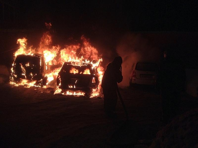 Гори, гори ясно: в Ярославле опять горели автомобили