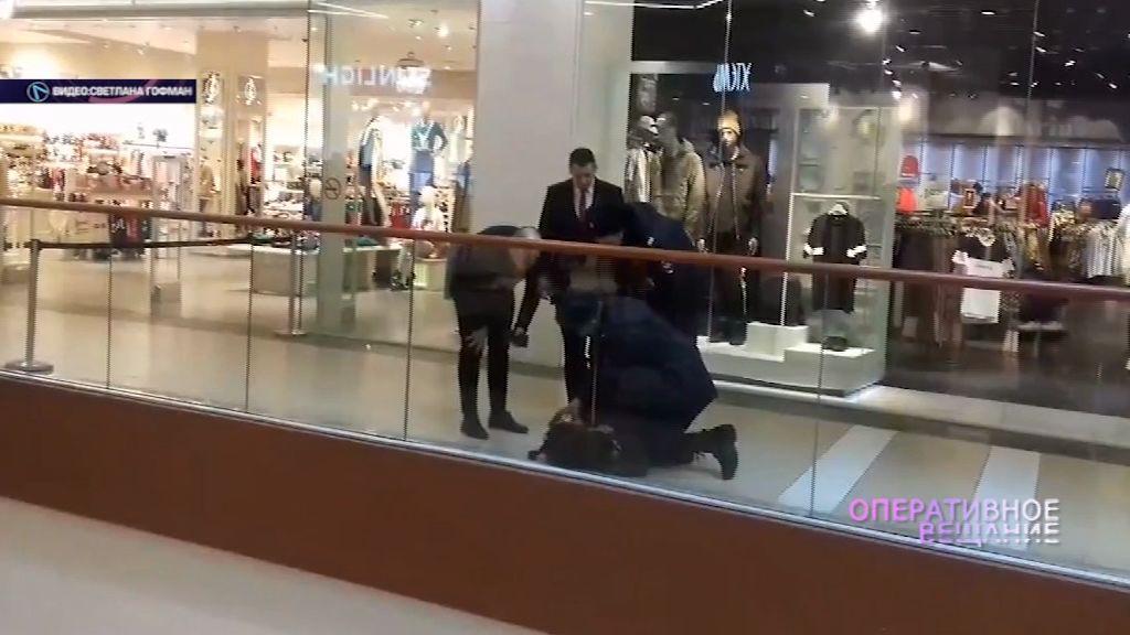 Большая сумка напугала посетителей крупного торгового центра в Ярославле