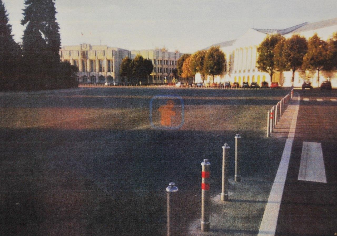 Дмитрий Миронов – о машинах на Советской площади: Хаотичной парковке на площади не место