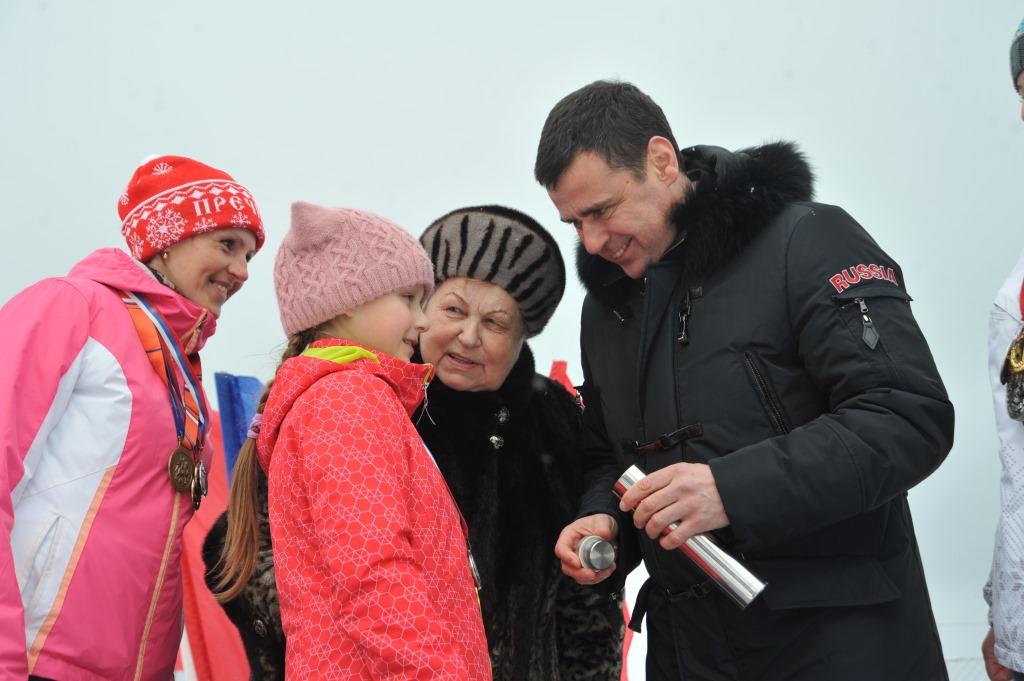 Дмитрий Миронов принял участие в церемонии закладки первого камня в строительство бассейна в Пречистом и рассказал о развитии сырного кластера в регионе